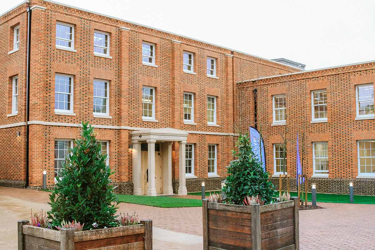 Buckingham launches new centre for economics and ...